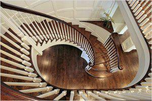 Хотите украсить лестницу? Подумайте о перилах!