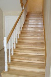 Отделка деревянных лестниц