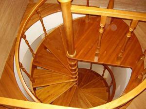 Материалы из древесины для строительства лестниц