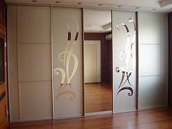 Межкомнатные двери купе - достоинства и недостатки
